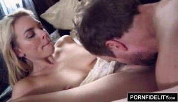 Punk hottie Tank fucks and takes the jizz in her m